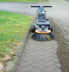 block paving cleaning machine for curb cleaning