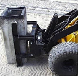 mini skid steer with a 90° rotation clamp
