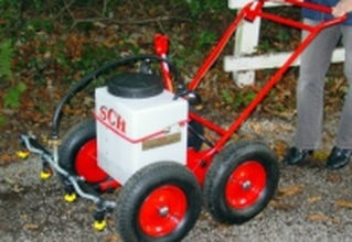 rough terrain manual and compact tractor sprayer 30 litres