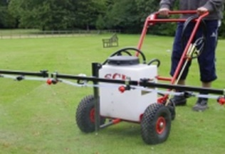 manual lawn and paddock sprayer 30 litres